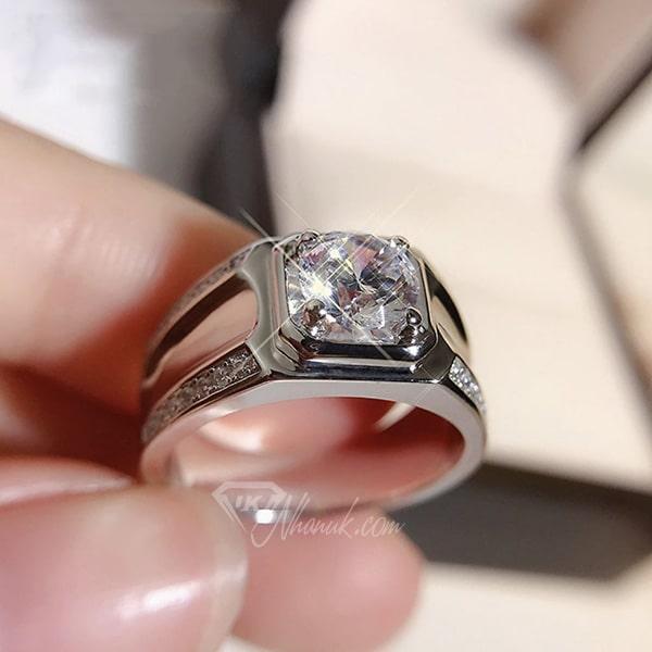 Nhẫn nam kim cương trắng