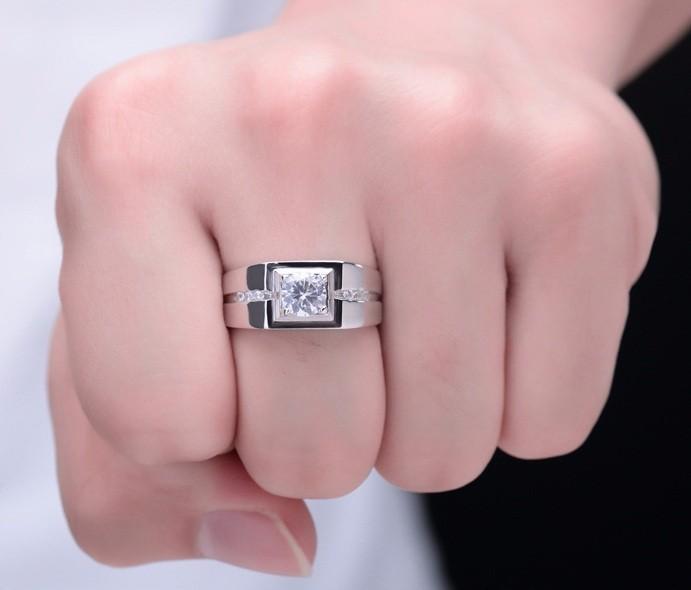 Nhẫn nam bạch kim đính kim cương sang trọng