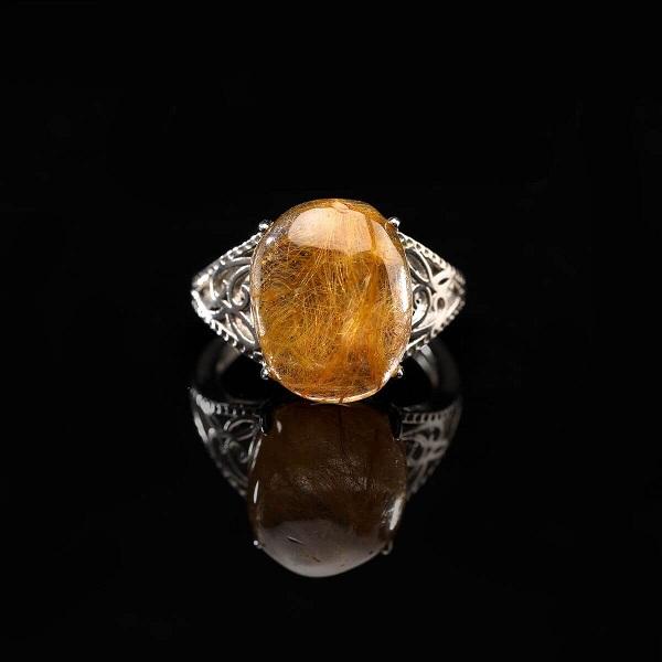 Nhẫn đá thạch anh mang đến lợi ích phong thủy tốt cho người sử dụng